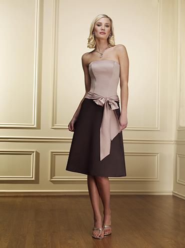 f7efb757c4e Společenské šaty - fotogalerie - strana 10 - Svatební salon Svatba snů