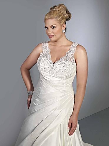 29064642e24 Krajkové svatební šaty pro plnoštíhlé SP3360