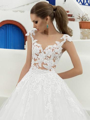 Průsvitné svatební šaty Bjanka s ramínky a velkou sukní c4411a18eed