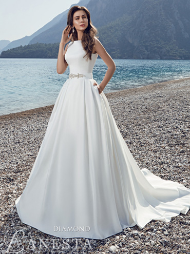 4df821536ba1 Svatební šaty - fotogalerie - velikost 46 - strana 1 - Svatební ...