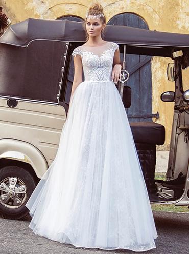 Svatební šaty - fotogalerie - velikost 44 - strana 1 - Svatební ... 6d4ac531494