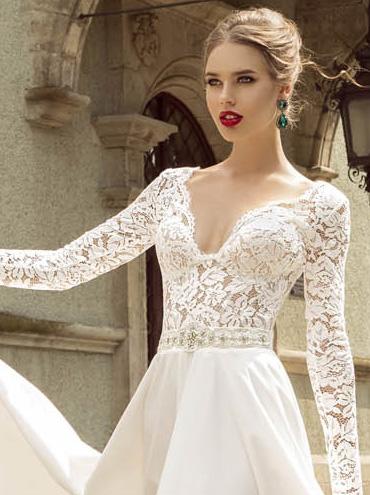 Svatební šaty Palermo s dlouhým rukávem a splývavou sukni 56cdd8dbbb